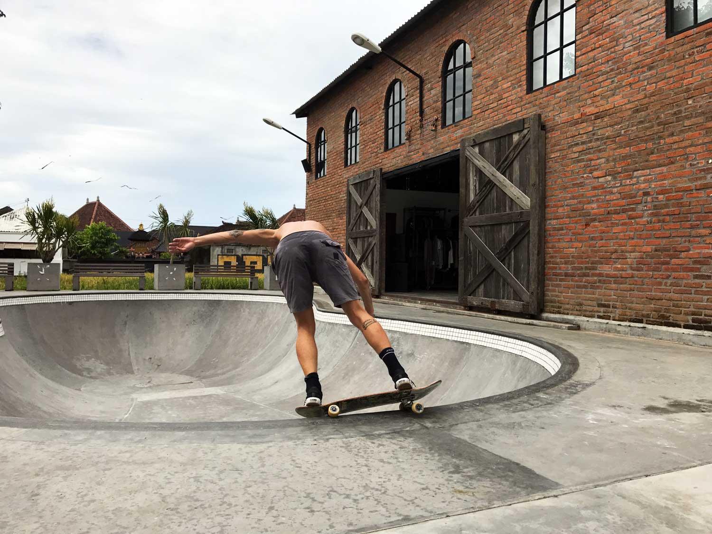 KNKRT Skatepark - Canggu Bali - Travel Blog - Screw Them All