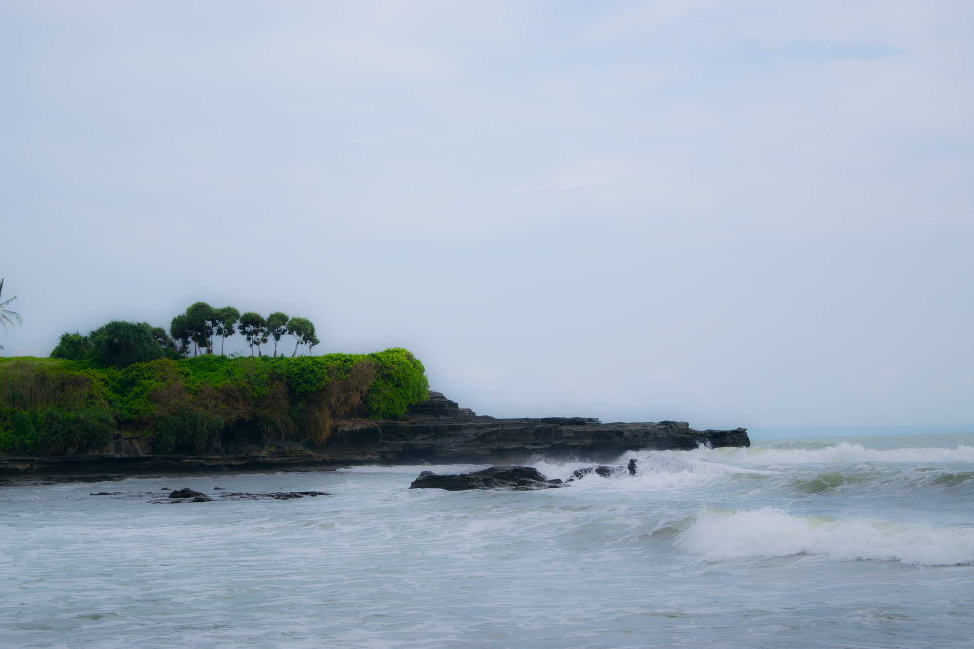 Off the path - The Pura Tanah Lot Bali - Travel Blog - Scew Them All