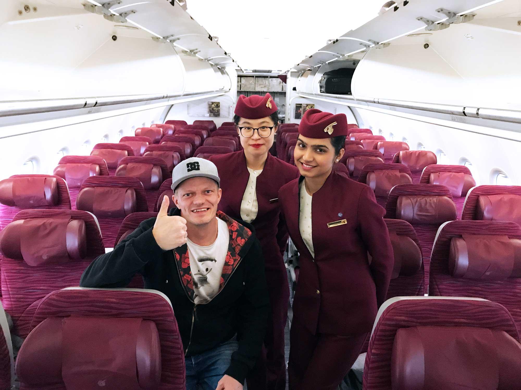 Qatar Airways QR308 - Cabin crew - Helsinki to Doha - Travel - Blog - Screw Them All